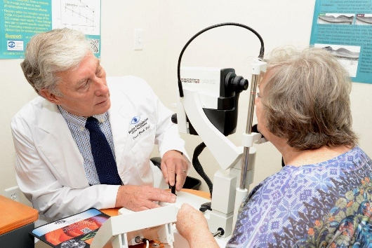Macular Degeneration Stem Cell Clinical Trial (530×354)